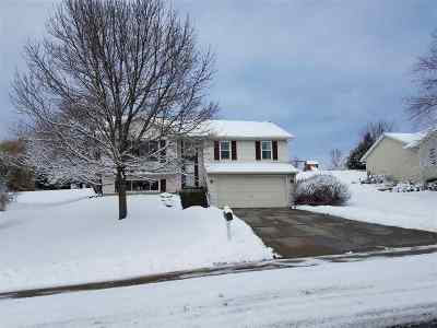 Iowa County Single Family Home For Sale: 111 Victoria Ln