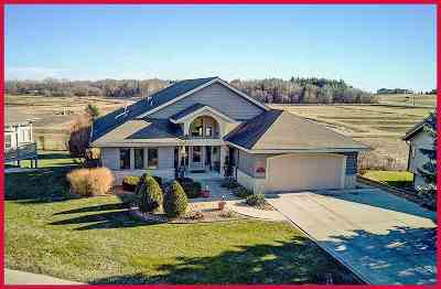 Jefferson County Single Family Home For Sale: 220 Bayfield Way