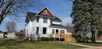 Lancaster WI Single Family Home For Sale: $125,000