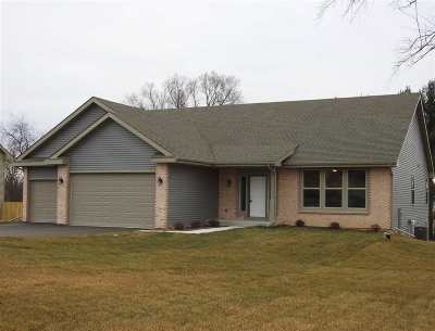 Edgerton Single Family Home For Sale: 816 E Mason Dr