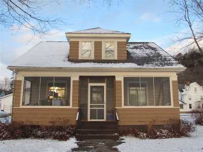 Cassville Single Family Home For Sale: 109 E Dewey St