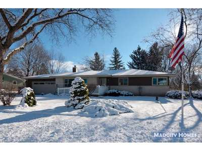 Sun Prairie Single Family Home For Sale: 1819 Michigan Ave