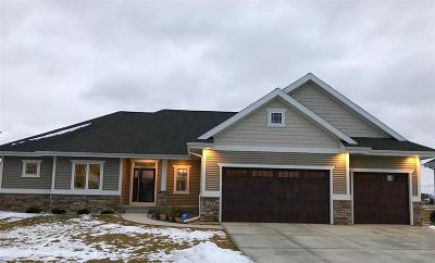 Waunakee Single Family Home For Sale: 813 Victor Ln