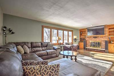 Sun Prairie Single Family Home For Sale: 1514 Calico Ln