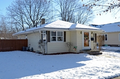 Prairie Du Sac WI Single Family Home For Sale: $169,900