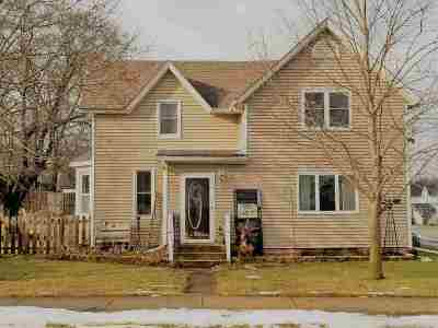 Columbia County Single Family Home For Sale: 203 Wells St