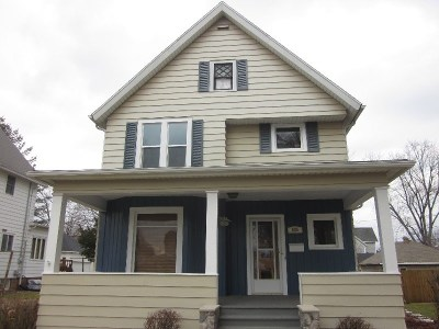 Baraboo WI Single Family Home For Sale: $154,900