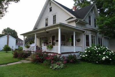Sauk City WI Single Family Home For Sale: $187,500