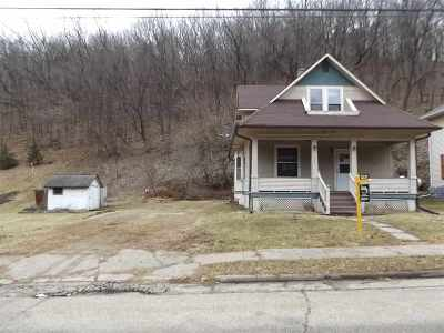 Potosi Single Family Home For Sale: 137 S Main St