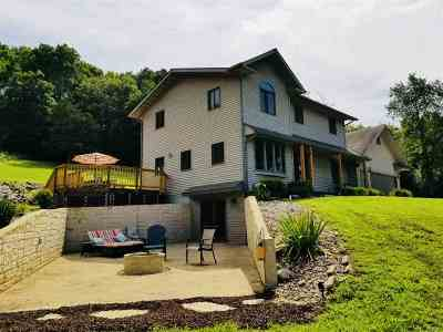 Richland Center Single Family Home For Sale: 28341 County Road Bb