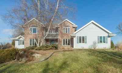 Verona Single Family Home For Sale: 7910 Black River Rd