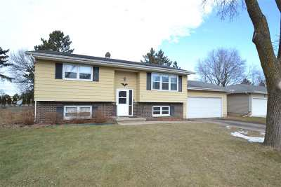 Sun Prairie Single Family Home For Sale: 430 Summit Ave