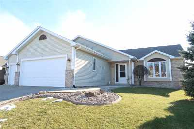 Sun Prairie Single Family Home For Sale: 3149 Bull Run