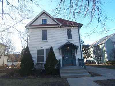 Beloit Single Family Home For Sale: 842 Park Ave