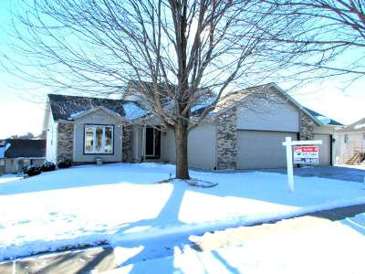 Cottage Grove WI Single Family Home For Sale: $324,900