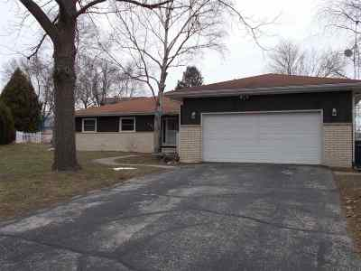 Dodge County Single Family Home For Sale: 423 Campus Ct