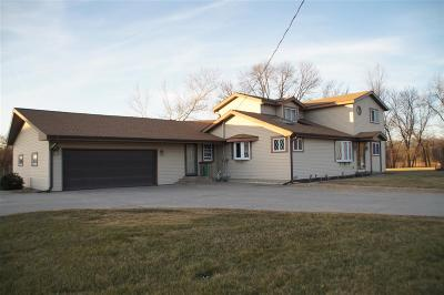 Sauk City WI Single Family Home For Sale: $263,000