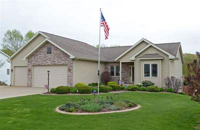 Sauk County Single Family Home For Sale: E9438 Innisbrook Ln
