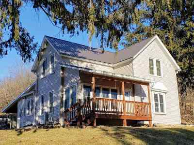 Richland Center Single Family Home For Sale: 18280 Tuckaway Valley Rd