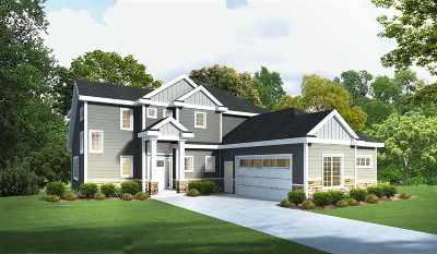 Cambridge Single Family Home For Sale: 703 Vineyard Crossing