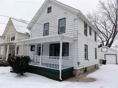 Beloit Single Family Home For Sale: 600 St Lawrence Ave