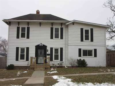Baraboo WI Single Family Home For Sale: $165,900