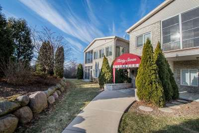 Madison WI Condo/Townhouse For Sale: $289,900