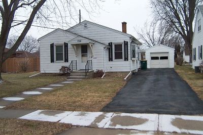 Dodge County Single Family Home For Sale: 726 W Brown St