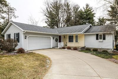 Prairie Du Sac WI Single Family Home For Sale: $299,900