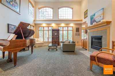Dane County Single Family Home For Sale: 1511 Fairfax Mews