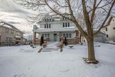 Green County Single Family Home For Sale: 613 2nd St