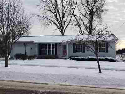 Baraboo WI Single Family Home For Sale: $189,900
