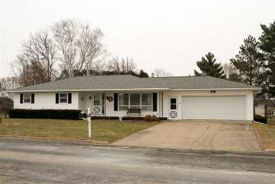 Lancaster WI Single Family Home For Sale: $159,900