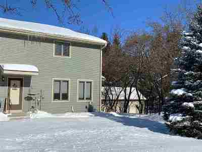 Deforest Condo/Townhouse For Sale: 718 South St