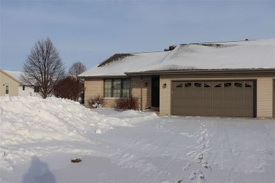 Janesville Condo/Townhouse For Sale: 1906 Shannon Dr