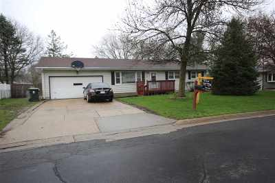Sun Prairie Single Family Home For Sale: 175 Amber Tr