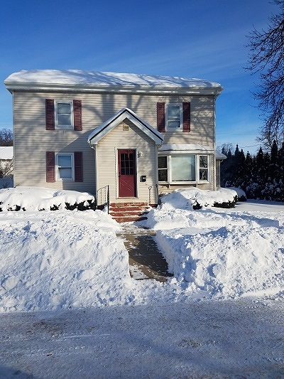 Baraboo WI Single Family Home For Sale: $108,000