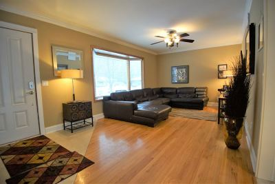 Madison Single Family Home For Sale: 1 Boston Ct