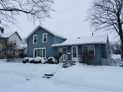 Baraboo WI Single Family Home For Sale: $165,000