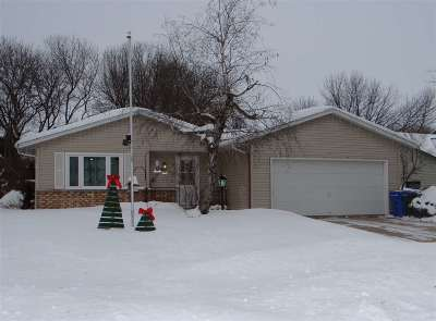 Fitchburg WI Single Family Home For Sale: $254,900