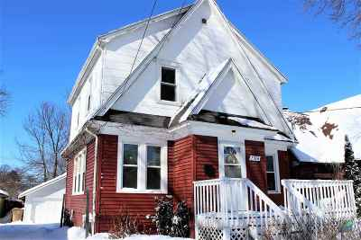 Madison WI Single Family Home For Sale: $240,000
