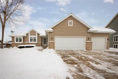 Columbus Single Family Home For Sale: 105 Ridgeview Ln
