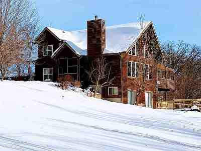 Iowa County Single Family Home For Sale: 735 Hwy 23