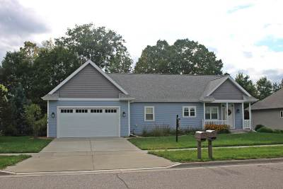 Baraboo WI Single Family Home For Sale: $374,900