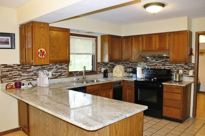 Fitchburg WI Single Family Home For Sale: $269,900