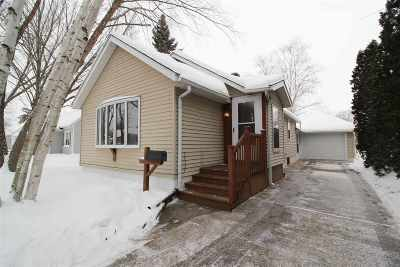 Sauk City WI Single Family Home For Sale: $165,000