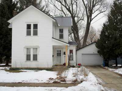 Green County Single Family Home For Sale: 706 E 4th Ave