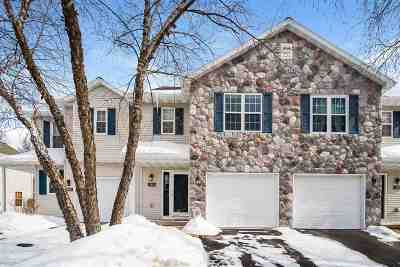 Sun Prairie Condo/Townhouse For Sale: 253 N Musket Ridge Dr