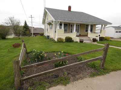 Fennimore Single Family Home For Sale: 1040 Jefferson St