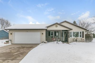 Waunakee Single Family Home For Sale: 405 Lexington Dr